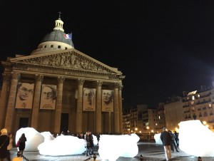 Eliasson Ice Watch Paris December 3 2015 night shot